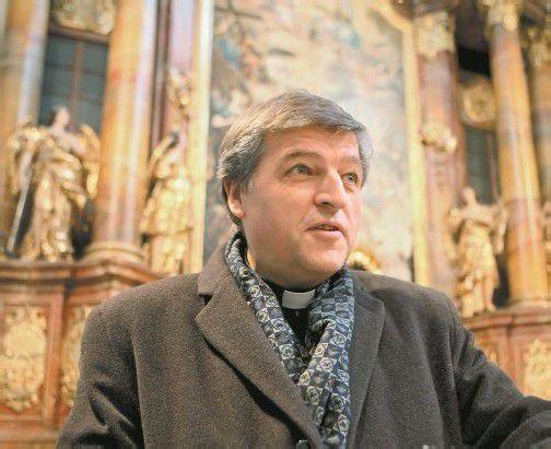 """Im November 2012 wurde Helmut Schüller der päpstliche Ehrentitel Monsignore bzw. """"Kaplan seiner Heiligkeit"""" vom Vatikan entzogen. Eine Begründung der Aberkennung wurde nicht genannt. Foto: APA"""