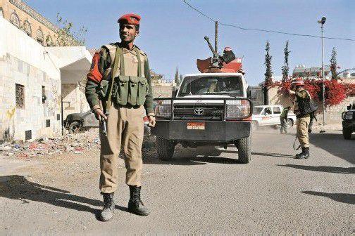 Jemenitische Soldaten in Sanaa: Seit Längerem gibt es eine Reisewarnung des Außenministeriums für den Jemen. Foto: EPA