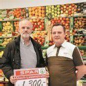 Mitarbeiter mit Herz im Spar-Supermarkt Altach