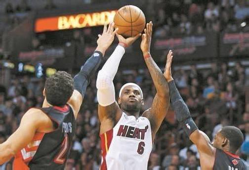 """Miami-Star LeBron James verbuchte ein """"triple-double"""". Foto: epa"""