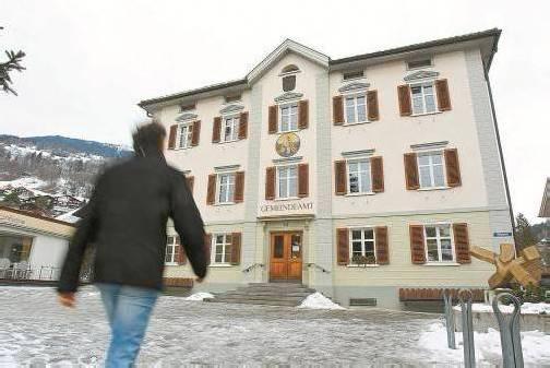 Bürgermeister Karl Hueber, Schrunser Gemeindeamt: Laut Gemeindegesetz regelt der Bürgermeister die Nutzung von Sitzungsräumen. Fotos: VN