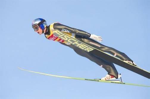 Nach einer krankheitsbedingten Pause zeigte sich Gregor Schlierenzauer beim Skifliegen in Vikersund wieder von der gewohnt souveränen Seite. Foto: AP