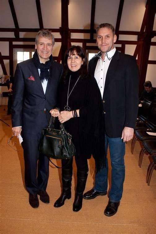 Preisträger in Hochstimmung: Kurt Haselwander (l.), Brigitte und Michael Riehl (schoeller the spinnig group). Fotos: FRANC