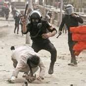 Mursi greift hart gegen Krawalle durch