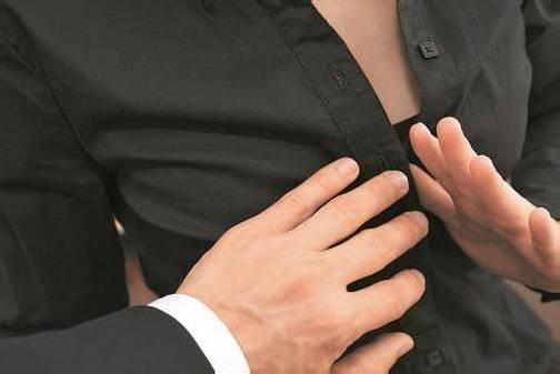 Sexuelle Belästigung am Arbeitsplatz zeigt sich in vielen Formen. Foto: fotolia