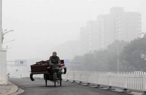 Starker Wind hat die gefährlich hohe Schadstoffbelastung weggeblasen. Foto: Reuters