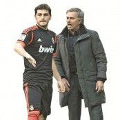 Trainer Mourinho trotz Real-Siegs im Abseits