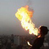 Hindu-Fest wird feurig gefeiert