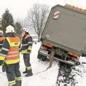 Bundesheer-Lkw auf Abwegen