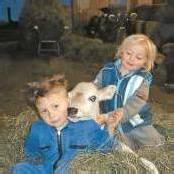 Zwei Jungbauern ganz groß