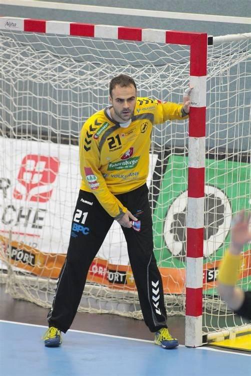 Auf Goalie Goran Aleksic wartet viel Arbeit in Wien. foto: hartinger