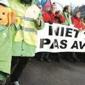 Beamte protestieren gegen Kürzungen