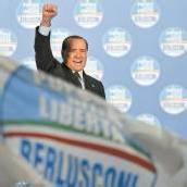 Berlusconi mischt wieder mit