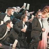 Die Premiere der Oper La Traviata ist Bruno Felix gewidmet