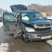 Vier Verletzte und 40.000 Euro Schaden