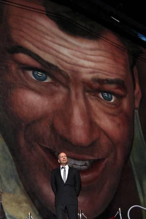 Der 57-jährige Schauspieler zeigte sich bei der Enthüllung geehrt.