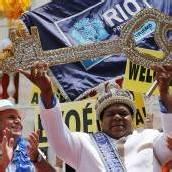 König Momo hat das Zepter übernommen