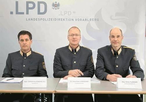Die Führungsriege der Vorarlberger Polizei zieht erneut eine positive Jahresbilanz. Foto: vn/Paulitsch