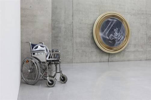"""Eine Ausstellungsansicht von """"Liebe ist kälter als das Kapital"""". foto: Markus Tretter"""