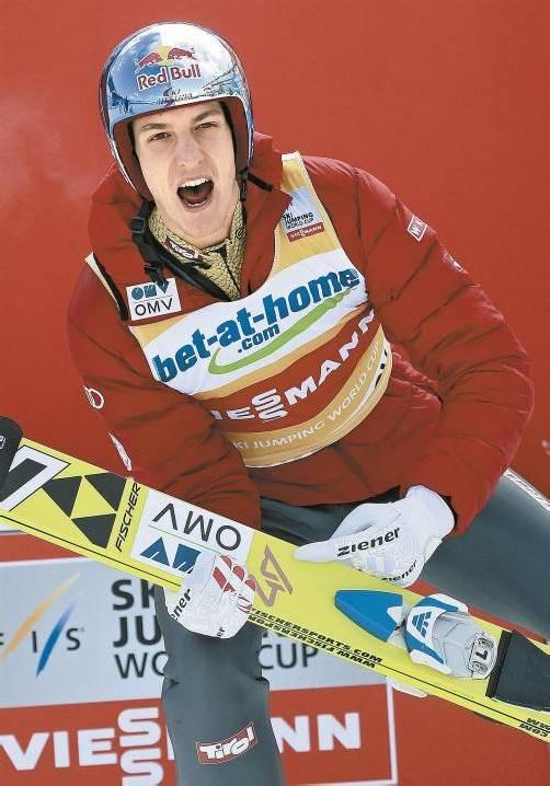 Gregor Schlierenzauer hatte schon eine Vorahnung und signierte seine Sprungskier mit der Zahl 47. Foto: ap