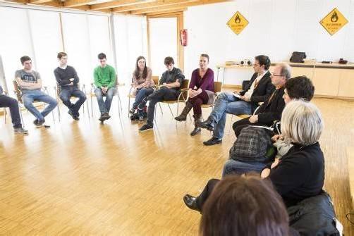 Im Bildungshaus St. Arbogast diskutierten über 500 junge Leute über Zukunftsfragen und informierten sich über Berufe/Berufung.  Fotos: mk