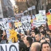 Bürgerwelle in Madrid: Massendemo gegen strikten Sparkurs