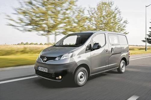 Mit seinen kompakten 4,40 Metern Gesamtlänge beweist sich der Nissan NV200 besonders als innenstadttaugliche Basis für den Warentransport.