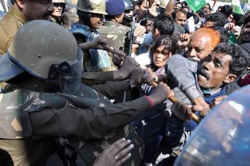 Nach Bekanntwerden der Tat kam es zu wütenden Protesten der Dorfbewohner. Foto: epa