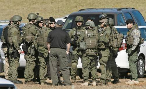 Polizei und FBI sind laut eigenen Angaben in Kontakt mit dem 65-jährigen Entführer, der Bub mit Asperger-Syndrom sei unverletzt. Foto: RTS