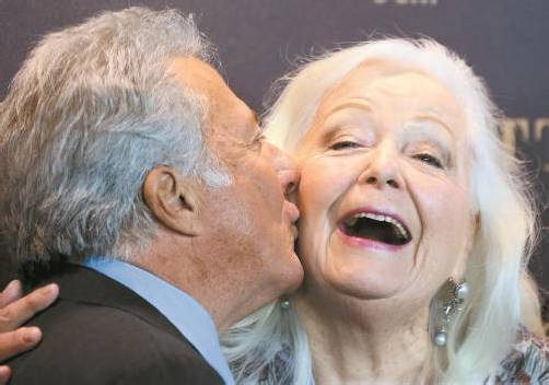 Regisseur Dustin Hoffman mit Operndiva Gwyneth Jones. Foto: AP