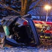 Tödlicher Autounfall in Röthis Bludescher (42) starb am Unfallort /b1