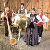 Trachtengruppe Schruns tritt im Käsehaus auf