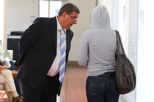Verteidiger Bertsch kämpft für seine Mandantin. Foto: vn/hB