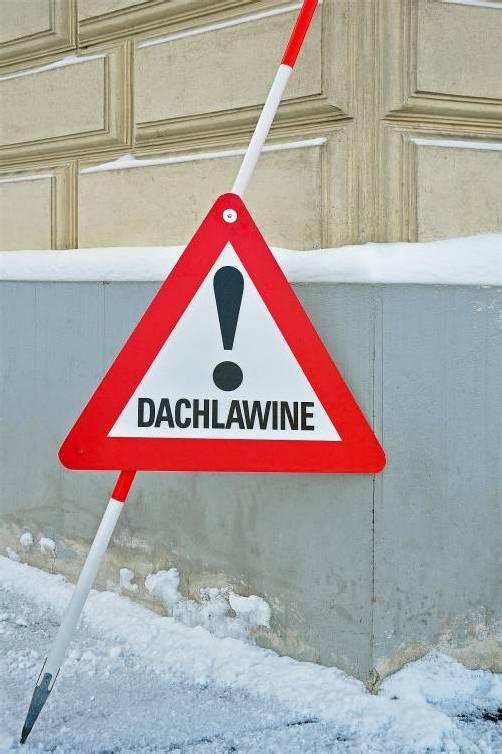 Vor dem Haus waren keine Warnstangen und kein Hinweisschild aufgestellt. Foto: Symbolbild