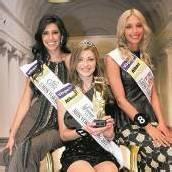 Angelika ist die strahlende Siegerin der 48. Misswahl