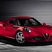 Alfa 4C feiert in Genf Weltpremiere
