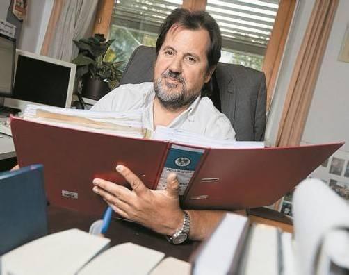 Herbert Metzler, Fahnungsleiter im LKA, informiert, wie bei abgängigen Personen vorgegangen wird. Foto: vn/philipp steurer
