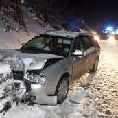 Mit Auto gegen Mauer gekracht