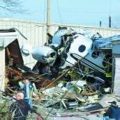 Kleinflugzeug in den USA stürzte in Wohnsiedlung