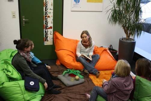 Auch Daniela Alge engagiert sich als Vorleserin. Foto: gemeinde