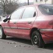 Alko-Lenker touchierte geparktes Auto