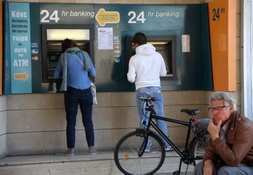 Die zyprischen Bankomaten spuckten zuletzt nur mehr 100 Euro pro Tag aus. Foto: EPA