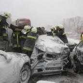 Schneechaos: Tausende verbringen Nacht im Auto