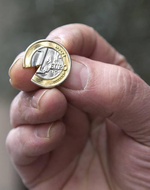 In Zypern sind als makabrer Spaß solche Euro-Münzen in Umlauf.
