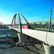 Am Rhein rollen die Züge wieder