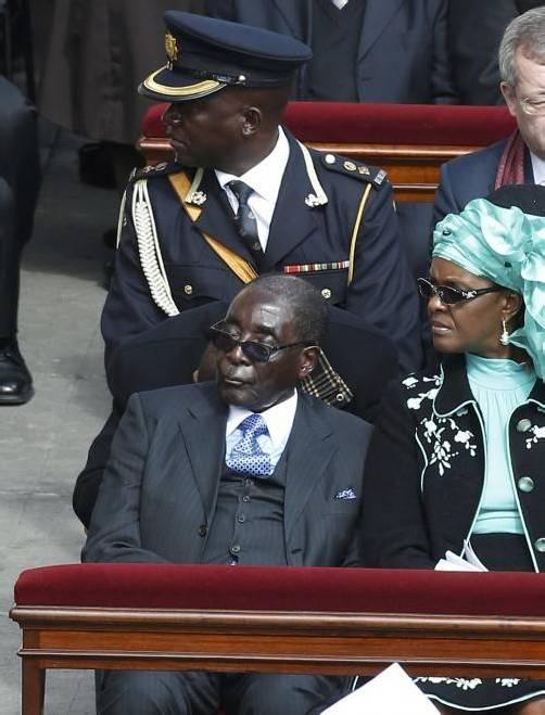 Simbabwes greiser Diktator Mugabe war selber Jesuitenschüler, freilich mit verheerender Wirkung. Foto: Reuters
