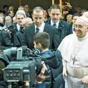 Papst Franziskus mischt sich unters Volk