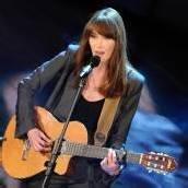 Carla Bruni präsentiert neuen Song