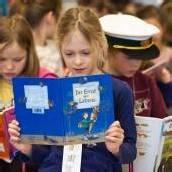 Eltern und Kinder lieben das Lesen