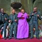 Desmond Tutu freut sich über Auszeichnung